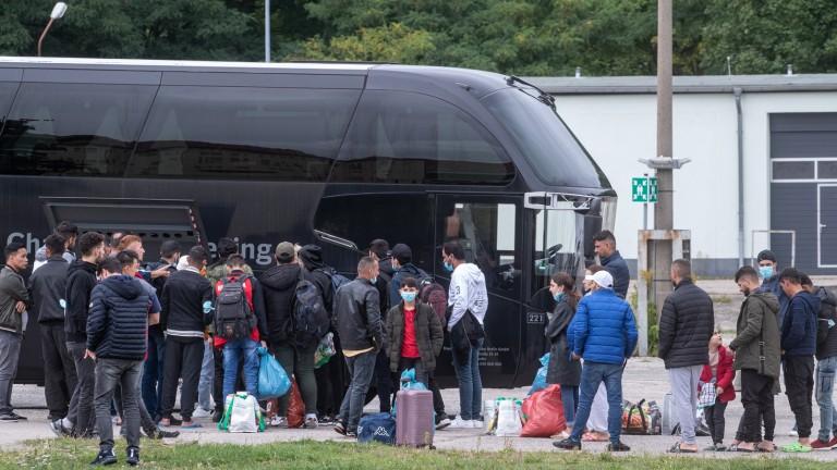 Němci už nezvládají invazní nápor, pro ilegály staví mrazuvzdorné stany