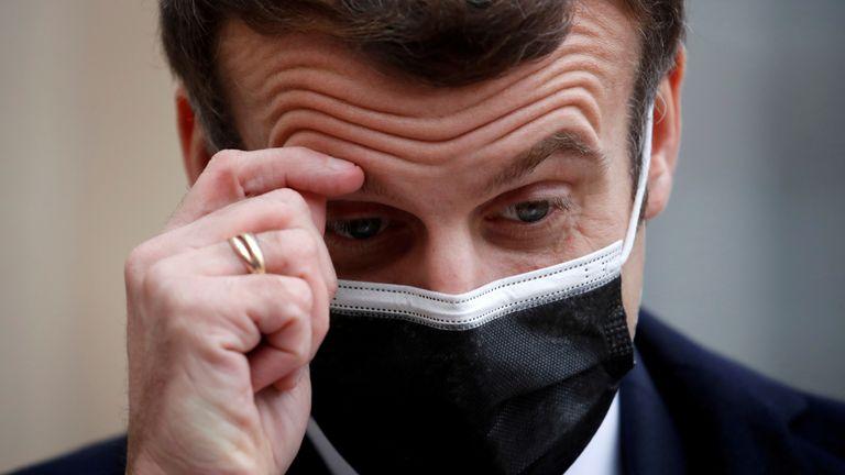 Francie představila návrh zákona, který zavádí od 1.1.2022 povinné očkování na COVID-19